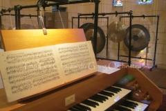 Trio les Chants du Gong Orchestra Concert gongs et orgues - Saint-Martin La Caussade 15 08 14 008