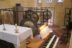 Trio les Chants du Gong Orchestra Concert gongs et orgues - Saint-Martin La Caussade 15 08 14 011