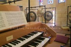 Trio les Chants du Gong Orchestra Concert gongs et orgues - Saint-Martin La Caussade 15 08 14 021